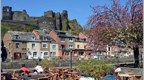 La Roche-en-Ardenne: Restaurants, activiteiten en vakantiehuizen voor uw verblijf