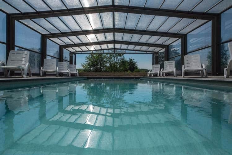 Location villa avec piscineintérieure ou extérieure en Ardenne