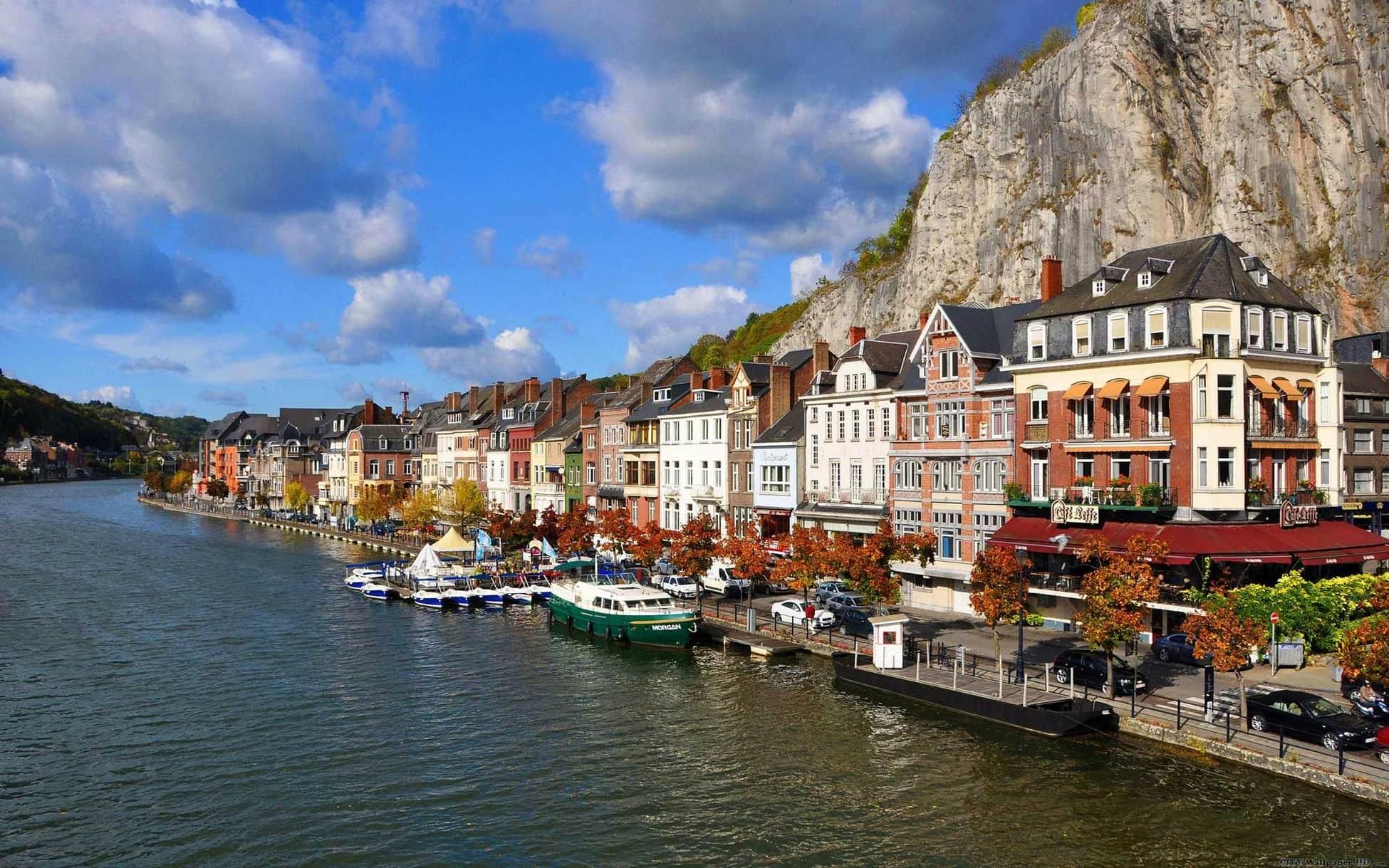 Dinant : Evasion, restaurants et gîtes pour vos vacances